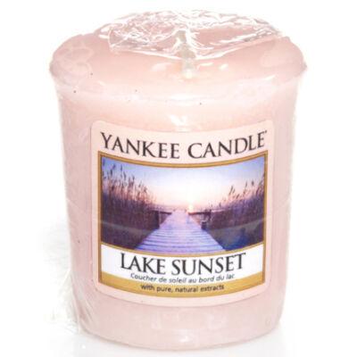 Lake Sunset mintagyertya
