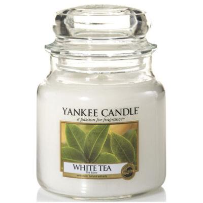 White Tea közepes üveggyertya